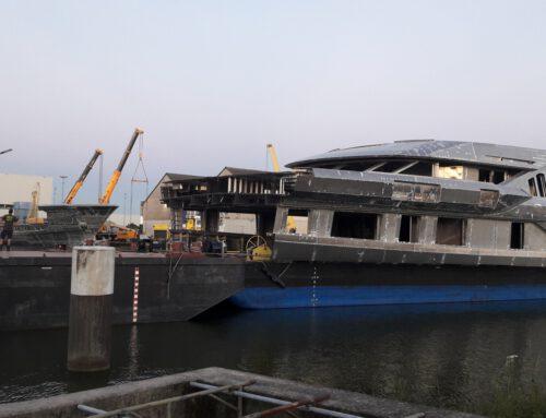 Nieuwbouw Heesen Yachts vaart langs AROSS